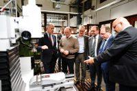 Groß war das Interesse bei den Unterstützern der neuen Fräsmaschine im WIFI NÖ.